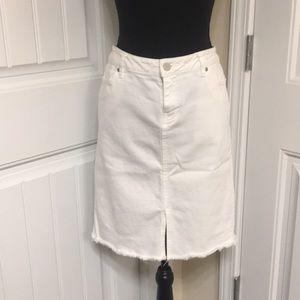 COPY - 🌸 3 for 15! White denim skirt